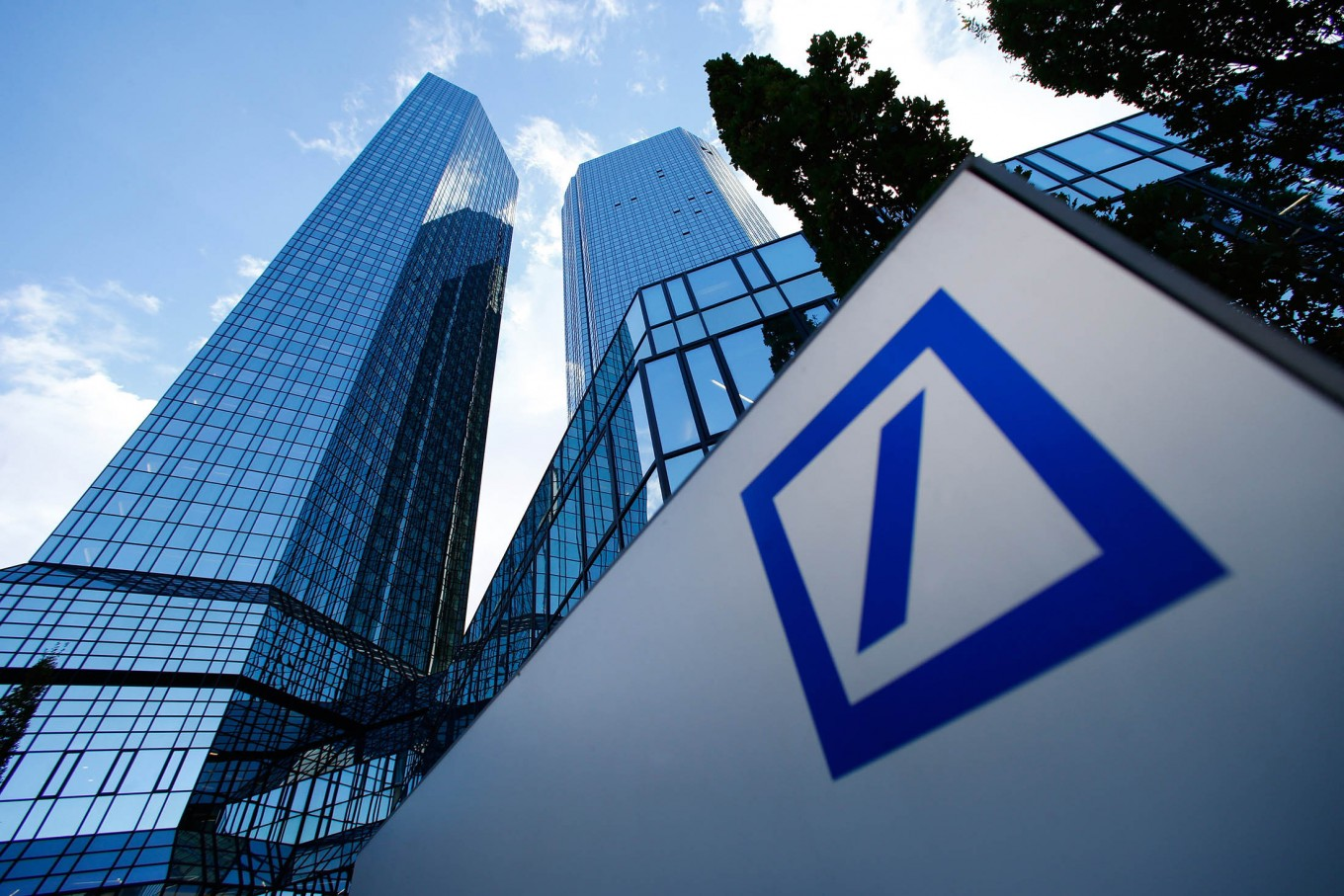 Deutsche Bank Predicts Cryptocurrency Could Replace Fiat by 2030