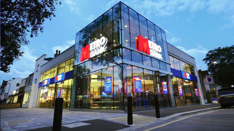 Twenty More Metro Bank Staff Sign Up For Digital Banking MSc Programme