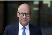 Tink Appoints SimCorp CEO Klaus Holse as Chairman